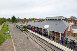 Rail 937: New station, old timetable